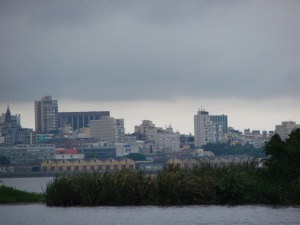 A capital gaúcha entre o Guaíba    Imagem: Cíntia Barenho