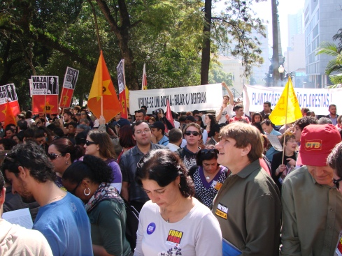 Ambientalistas no Ato Fora Yeda! (Imagem: Cíntia Barenho)
