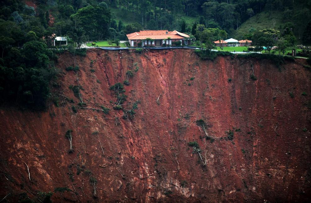 Deslizamentos de terra no Brasil (3/3)